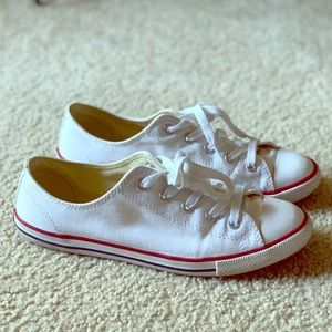 Converse Chuck Taylor Dainty sneakers size 8